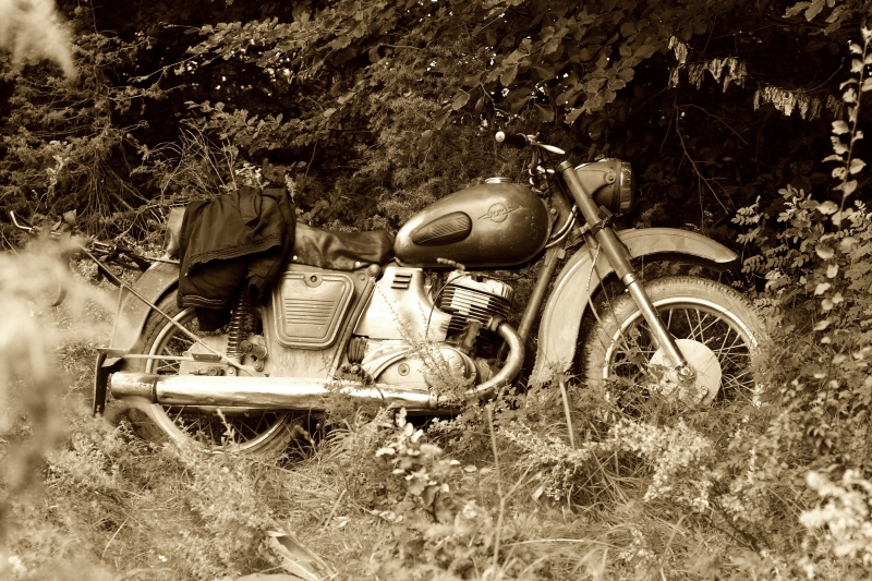 16418-classic-old-motorcycle